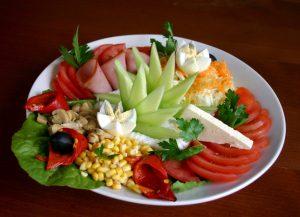 salad-1-1323575-639x462